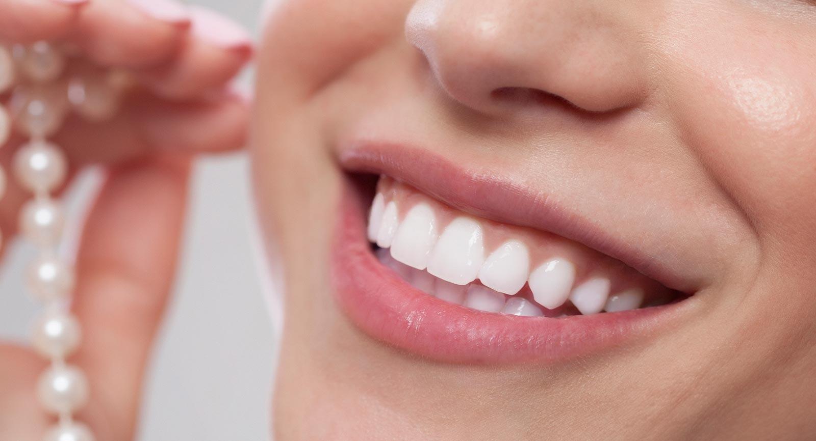 Schöner professioneller Zahnersatz in Wien