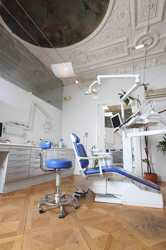 Behandlung mit Ambiente, Zahnarzt Wien 1090